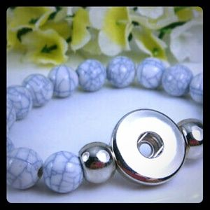 Jewelry - White & Gray Interchangeable Snap Button Bracelet